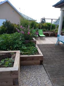 coin détente, jardinières et terrasse bois